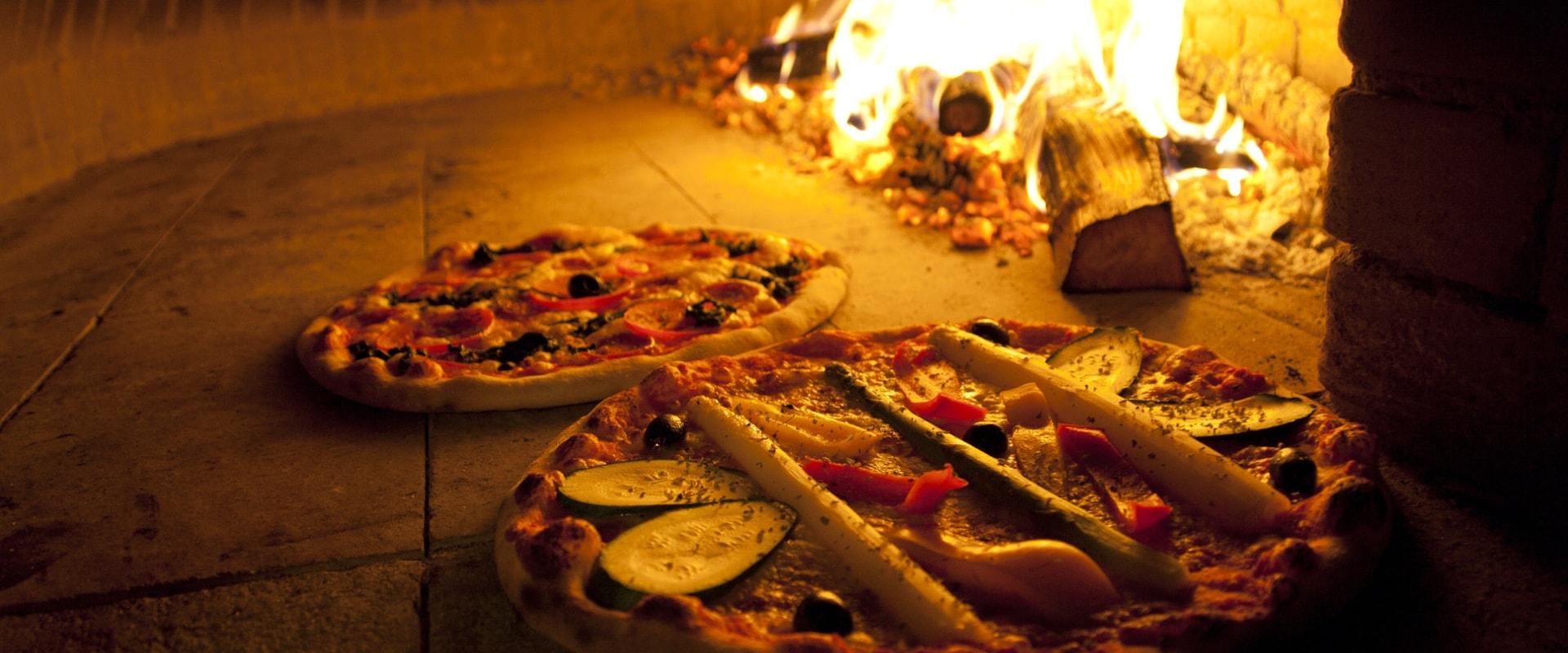 Ristorante-Pizzeria-La-Ruota-Gallarate-Pizza-Forno-A-Legna